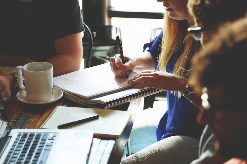 5 sinais de que sua empresa precisa (urgentemente) de uma agência de publicidade