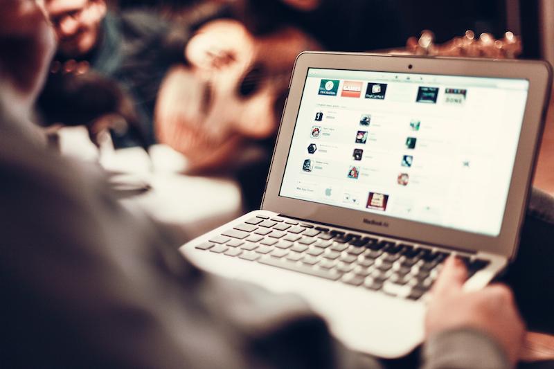 Curtir, comentar e compartilhar: como sua marca deve se portar no Facebook