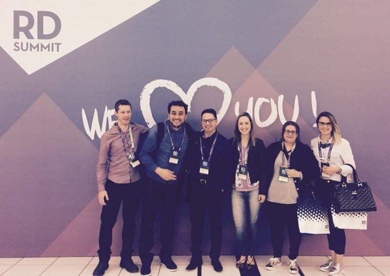 rd-summit-2016-o-maior-evento-de-marketing-e-vendas-da-america-latina-e-a-gente-estava-la.equipe
