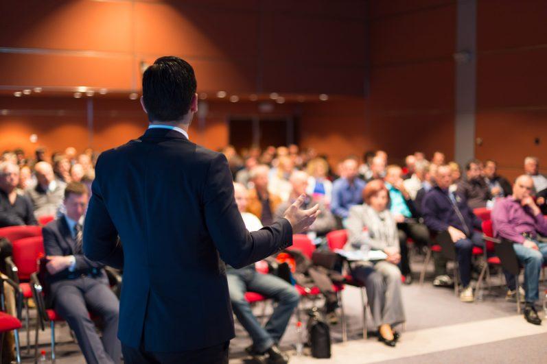 5 dicas para NÃO PASSAR VERGONHA na hora de fazer uma apresentação